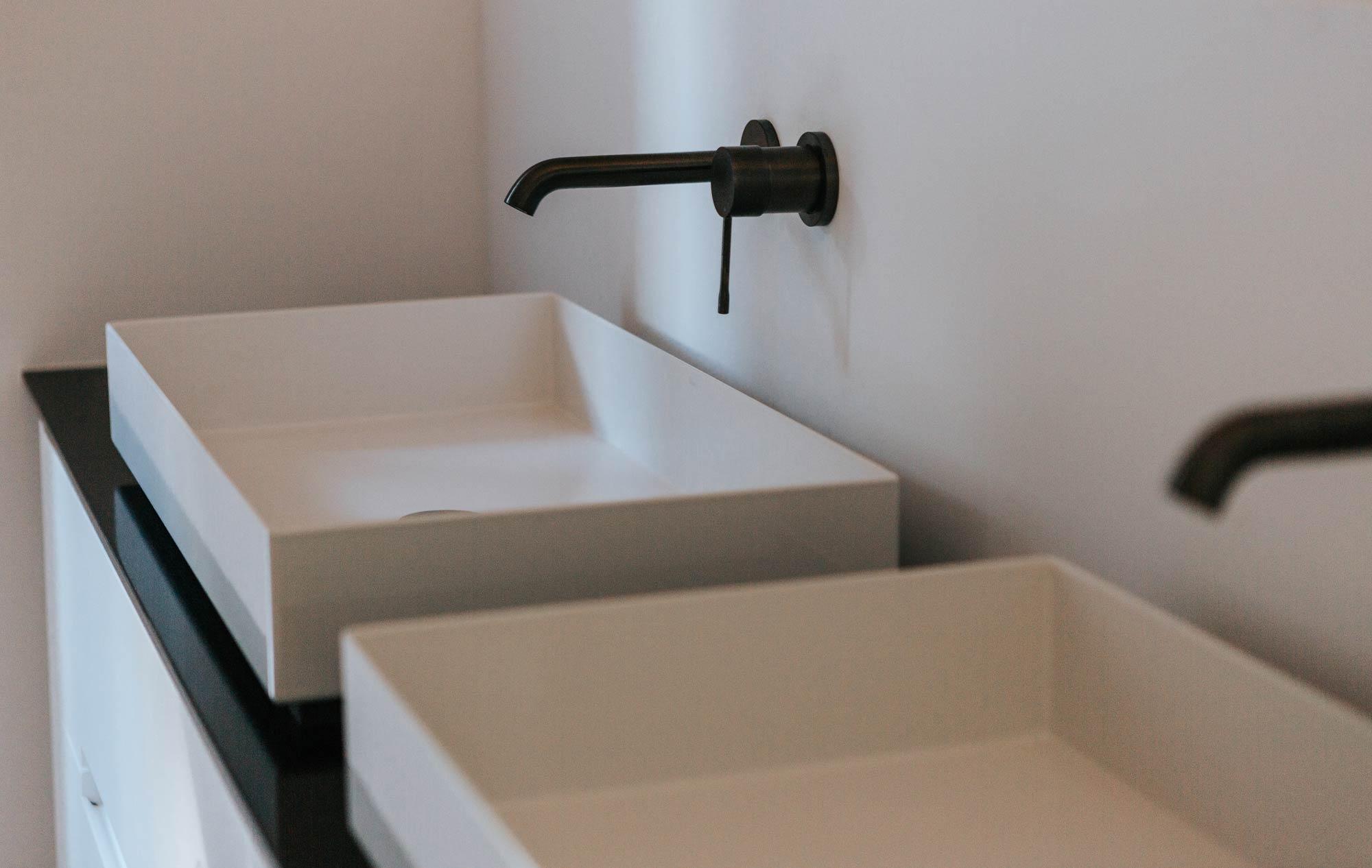 Bad Waschbecken seite