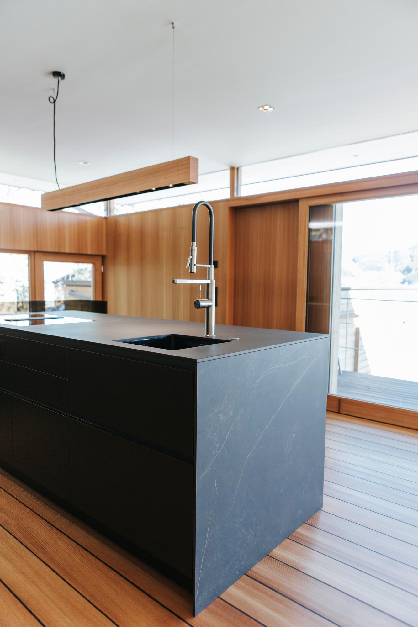 Bootshaus Küche Ansicht Seite